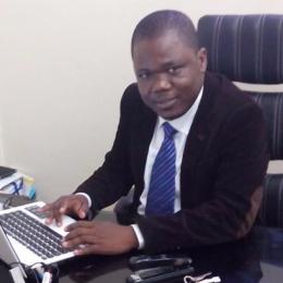 Le directeur des études, Thierry Gbakada